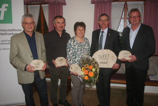 Geehrte: Wurden für ihr Jahrzehnte langes Engagement geehrt:v. li.: Ernst Hilmer, Herbert Weigel, Hannelore Stöhr, Erwin Börlein und Herbert Fitzinger.