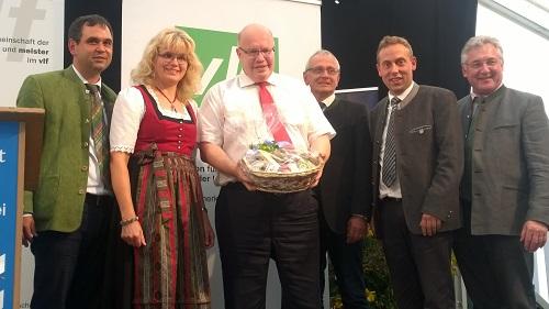 vlf-Vorstand Rotthalmünster bedankt sich bei Kanzleramtsminister Peter Altmaier für seinen Besuch