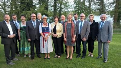 Delegierte des vlf Bayern mit Gisela Miethaner, Ministerialrätin a. D., die für ihre großen Verdienste um die hauswirtschaftliche Bildung das Goldene Verbandsabzeichen des vlf-Bundesverbandes erhielt.