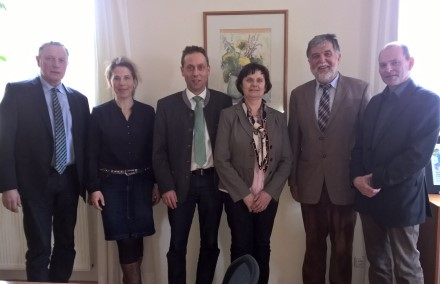 v. li.: Harald Schäfer, Dr. Isabell Schneweis-Fleischmann, Hans Koller, Christine Wutz, Jakob Opperer und Thomas Mirsch