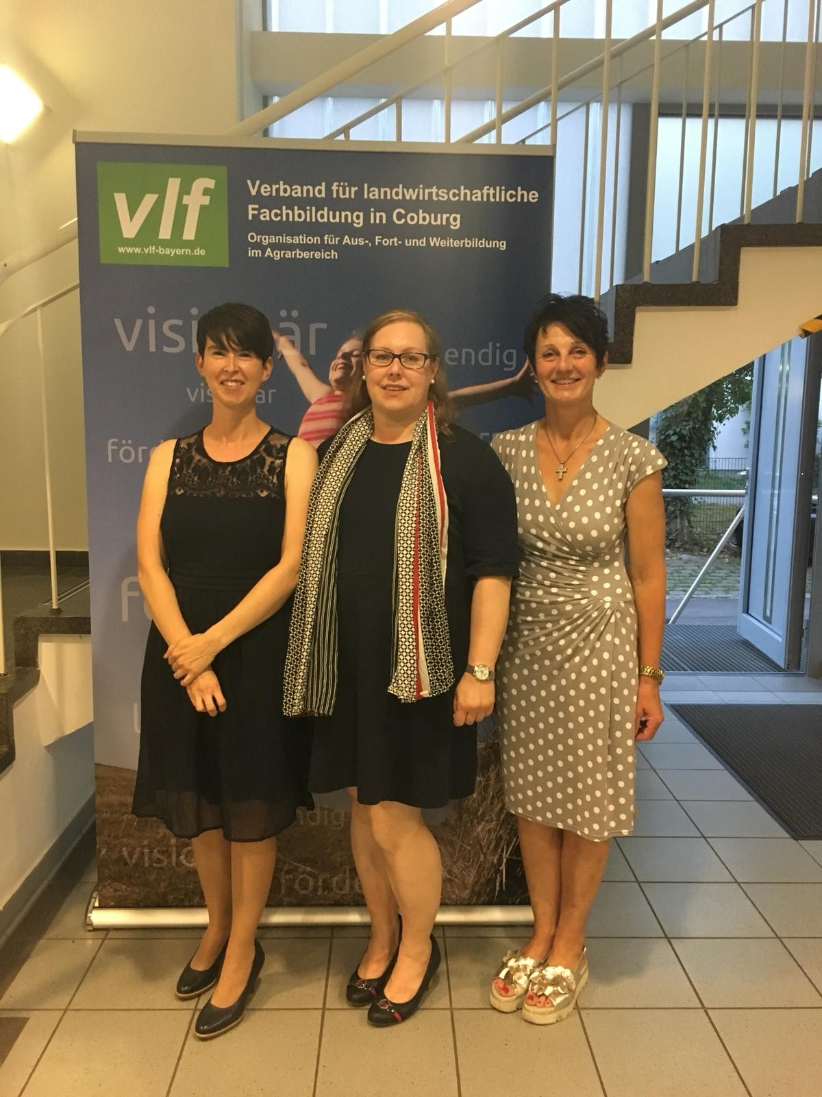 Dagmar Hartleb, stv. Vorsitzende und Vorsitzende vlf-Frauengruppe des vlf Coburg (re.) mit den neu aufgenommenen Mitgliedern.