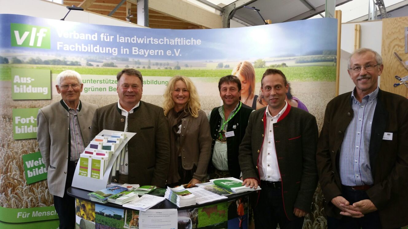 Landwirtschaftsminister Helmut Brunner am Stand des vlf Bayern
